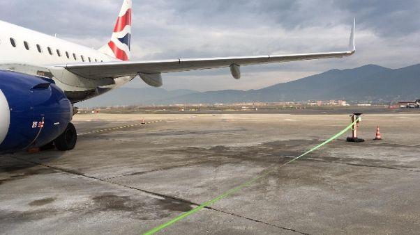 Aeroporto Firenze, disagi per il vento