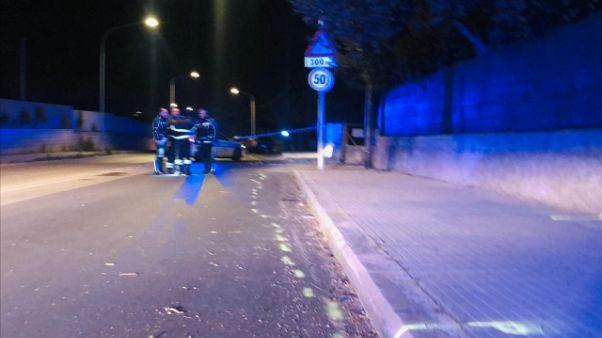 In moto contro un muro, muore una 15enne