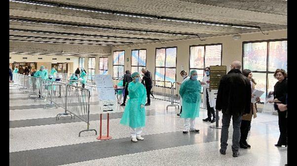 Coronavirus: in E-R 335 casi, tre morti