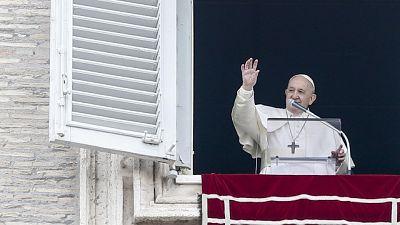 Si valuta Angelus del Papa solo in video