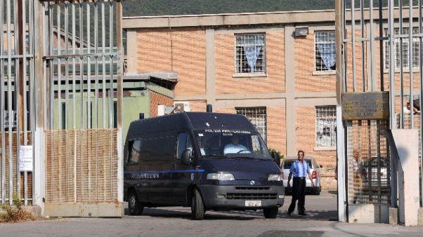 Stop colloqui,rivolta in carcere Salerno