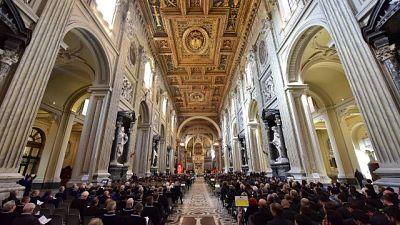 Sospese a Roma le messe con fedeli