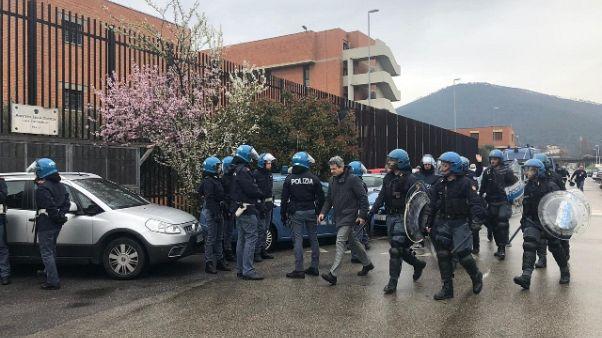 Rivolta in carcere Prato,celle in fiamme