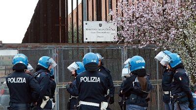 Sta rientrando protesta in carcere Prato