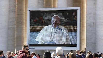 Il Papa ai sacerdoti,'andate dai malati'