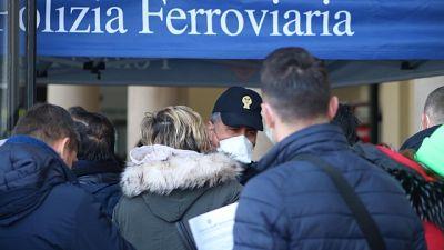 Coronavirus: controlli in stazione Bari