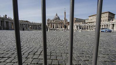 Piazza S.Pietro e basilica, stop turisti