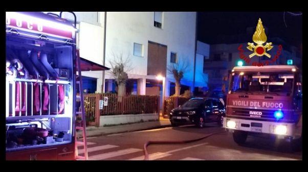 Uomo morto in incendio edificio a Prato