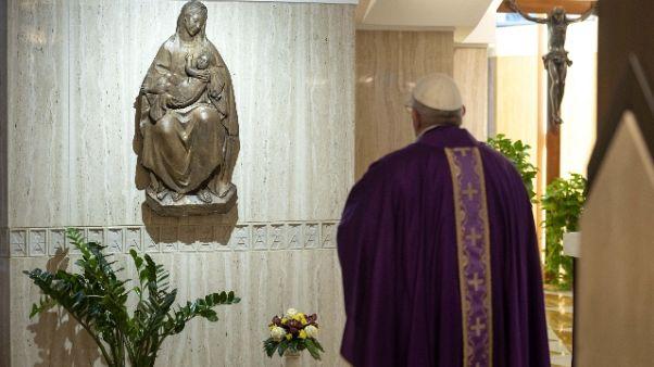 Coronavirus: Papa prega per carcerati