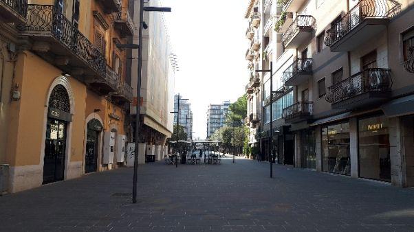 Coronavirus: a Bari strade semi vuote