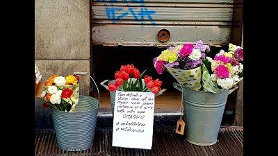 Negozio regala fiori,'gioia in case'