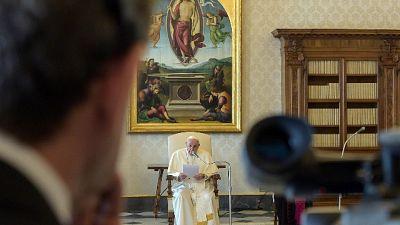 Papa, 'sacerdoti non sono don Abbondio'