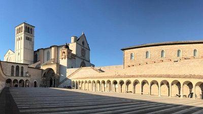 P.Fortunato, Assisi vuota vi abbraccia