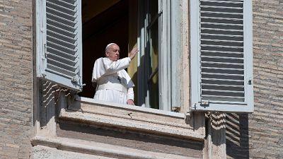 Papa esce, e prega in 2 chiese di Roma
