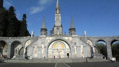 Coronavirus: chiude anche Lourdes