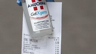 Gel a prezzi alti, denunciato farmacista