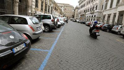 Roma:da domani non si pagano strisce blu