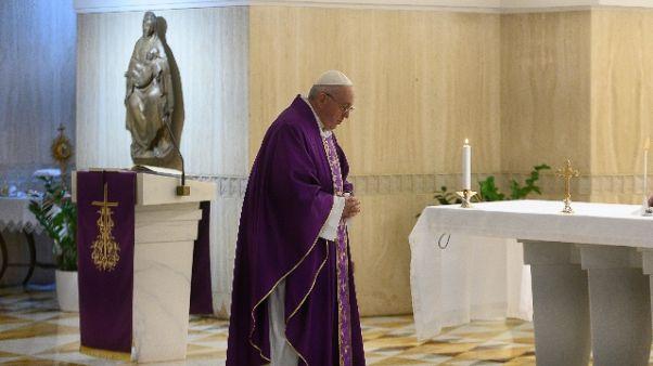Coronavirus: Papa prega per i carcerati