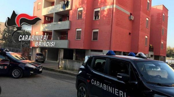 Uccide madre con 5 coltellate, arrestato