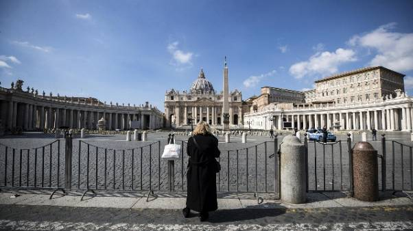 Covid: Papa sospende processi Vaticano