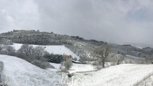 Neve su Assisi e altri centri Umbria