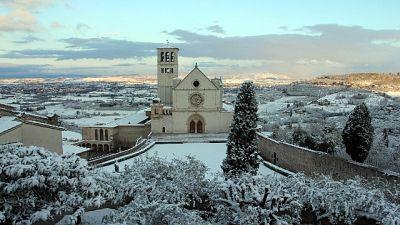 Neve su Assisi e altre città Umbria