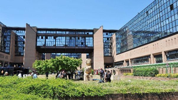 Coronavirus: procura Torino indaga su carenza mascherine