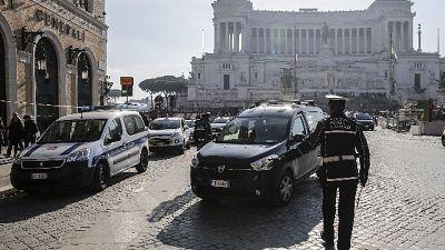 Via a manutenzione sanpietrini P.Venezia