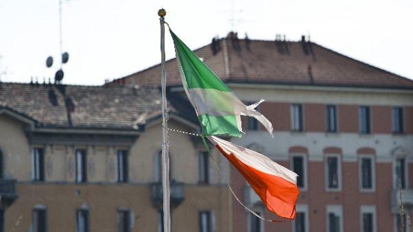 Milano ricorda vittime, grazie ai medici
