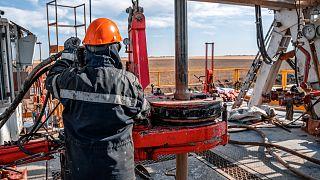 L'Angola, le Sénégal, le Cameroun, le Ghana et le Nigéria parmi les plus durement touchés par le Covid-19 et la chute des prix du pétrole