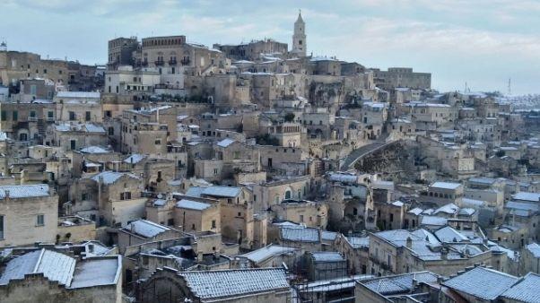 Neve in Basilicata, imbiancati i Sassi