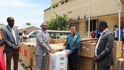 Coronavirus - Burundi : Le ministre de la Santé du Burundi, le Dr Thaddee a reçu un don médical de l'Ambassade de la République Populaire de Chine en République du Burundi