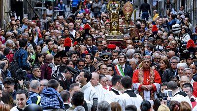 Napoli, verso stop processione S.Gennaro