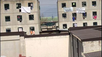 'Covid in carcere', protesta a Napoli