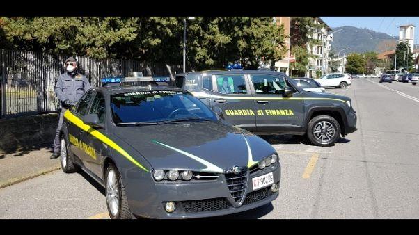 Covid, fanno windsurf a Elba, multati