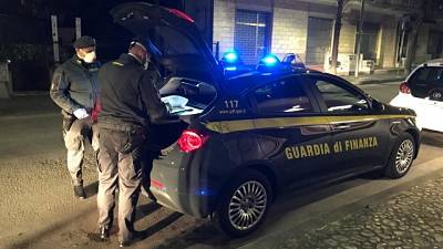 In beneficenza pastiere sequestrate