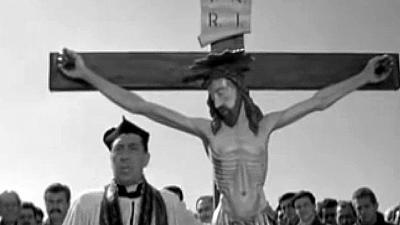 Cristo di don Camillo in via crucis