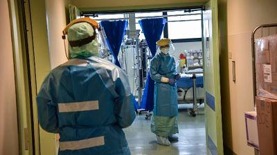 In Lombardia salgono contagi, +273 morti