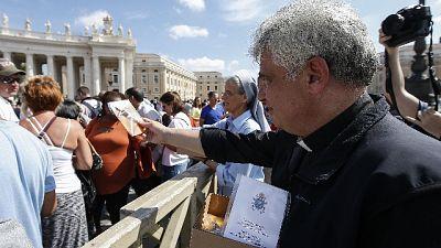Covid,Papa Francesco dona dpi a Chiavari