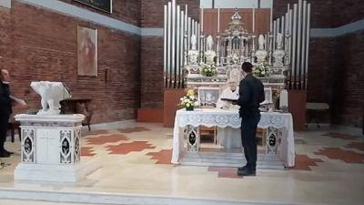 Multa perché dice messa, prete non paga