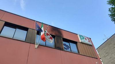 Bottiglia molotov contro sede Pd Vicenza