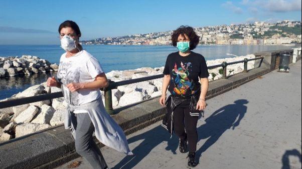Jogging per molti su lungomare Napoli