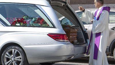 Funerali da 4 maggio,non solo all'aperto