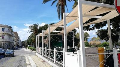 Calabria, alcuni bar riaprono