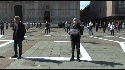 Bologna, protesta contro restrizioni