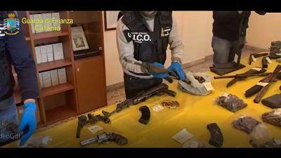 Droga e armi, 25 arresti Gdf di Catania