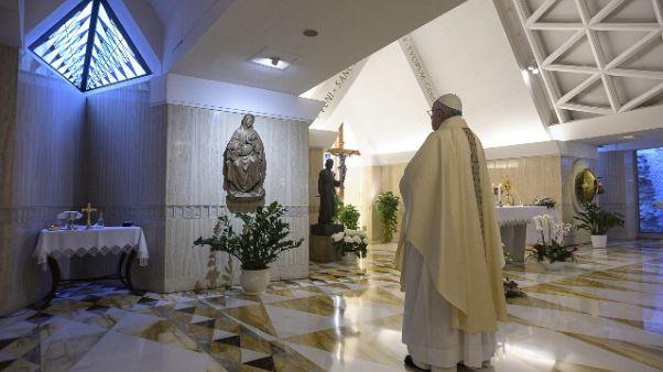 Papa,prego per chi è morto senza carezza