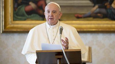 Papa, dare dignità al lavoro migranti