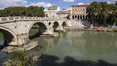 Ucciso su banchina Tevere in centro Roma