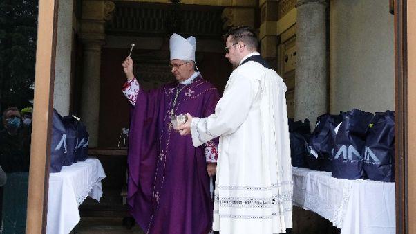Prime tumulazioni morti Covid a Brescia